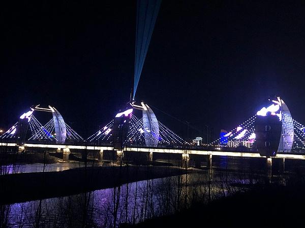 点光源桥梁亮化效果